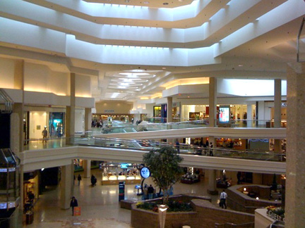 Best Schaumburg Shopping: See reviews and photos of shops, malls & outlets in Schaumburg, Illinois on TripAdvisor.